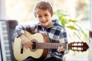 1/4 guitare pour enfant
