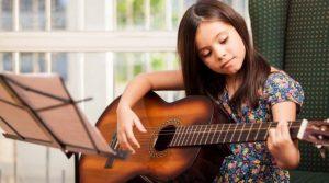 guitare enfant 1:2